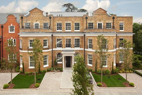 2 bedroom flat for sale - Princess Square, Esher, Surrey, KT10
