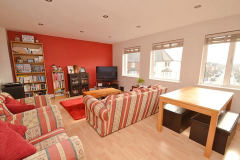 2 bedroom flat for sale - Pokesdown