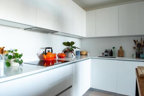 2 bedroom flat to rent - Daley Street, Hackney, E9