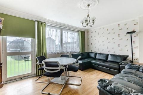 3 bedroom apartment for sale - Flat 27, Ewhurst Court, Phipps Bridge Road, Mitcham, Surrey, CR4 3PL