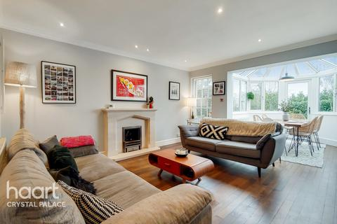 3 bedroom detached house for sale - South Norwood Hill, LONDON