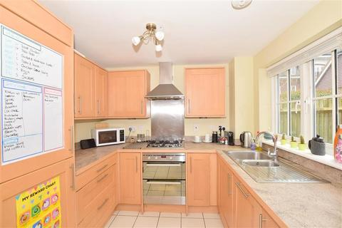 3 bedroom semi-detached house for sale - Updown Hill, Haywards Heath, West Sussex