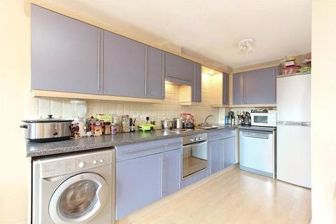 2 bedroom property to rent - Macleod Street, Walworth, London, SE17