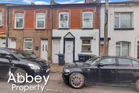 2 bedroom maisonette for sale - Stanley Street, Luton