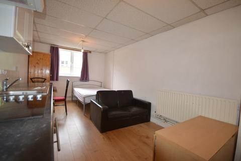 Studio to rent - Kember Street, N1