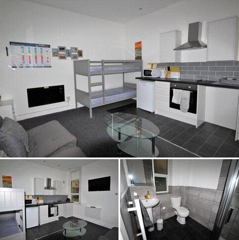 Studio to rent - Flat 2, 6 Woodfield Road