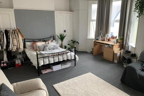 7 bedroom house share to rent - Beaumont Road, Plymouth