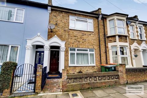 3 bedroom terraced house for sale - Hartland Road, Stratford, E15