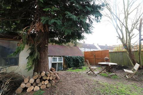 4 bedroom property to rent - Barcombe Road, Brighton