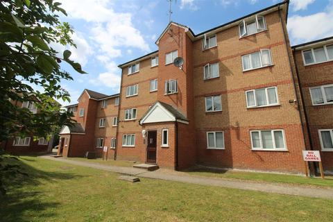 2 bedroom property to rent - Express Drive, Goodmayes