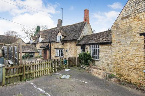 3 bedroom detached house for sale - Church Street, North Luffenham