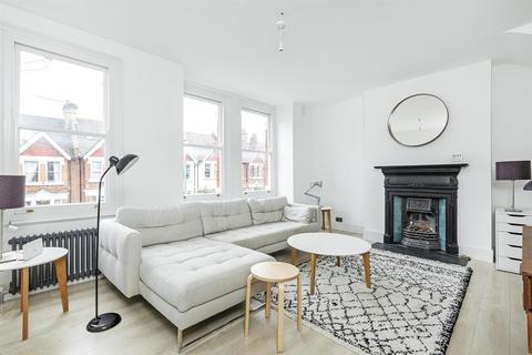 4 bedroom maisonette to rent - Penwortham Road, London