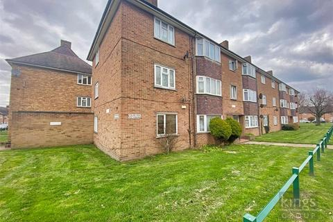 2 bedroom flat for sale - Worcesters Avenue, Enfield