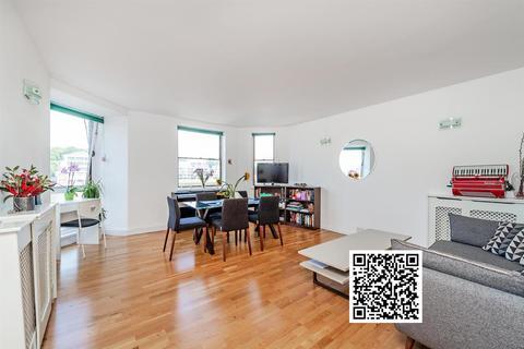 3 bedroom flat for sale - Riverside Court, Nine Elms, London, SW8
