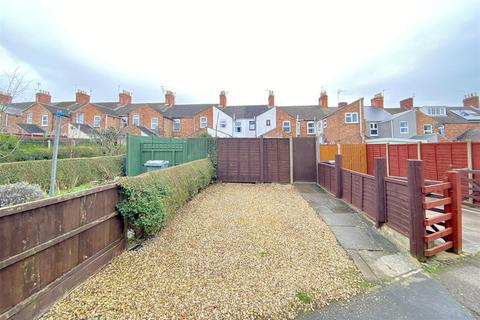2 bedroom terraced house for sale - An Immaculate Home with Parking on Victoria Street, Grantham