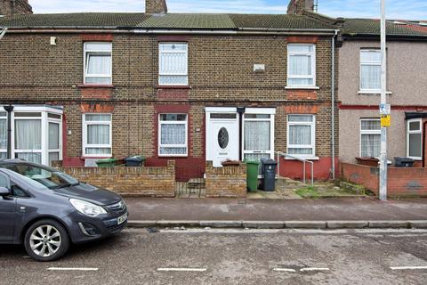 2 bedroom terraced house for sale - King Edwards Road, Barking, IG11