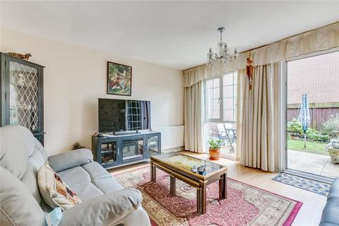 2 bedroom terraced house for sale - Staveley Gardens, London