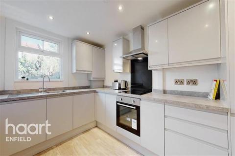 3 bedroom terraced house to rent - Bury Street, N9