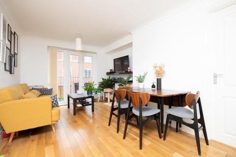 2 bedroom flat to rent - Quakers Court, Abingdon OX14 3PY