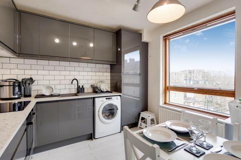 2 bedroom flat for sale - Morecambe Street, London SE17