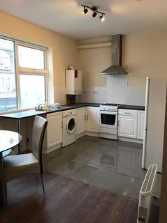 2 bedroom flat to rent - Green Lane,  Ilford, IG3
