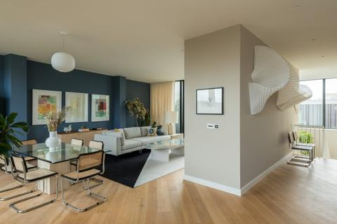 3 bedroom flat for sale - Television Centre, Wood Lane, London W12