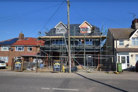 4 bedroom semi-detached house for sale - Minster Road, Minster.