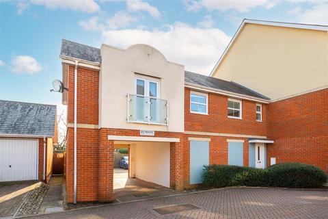 2 bedroom apartment for sale - Parritt Road, Redhill