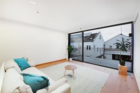 5 bedroom terraced house to rent - Warple Mews, Warple Way, London, W3