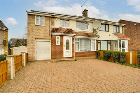 4 bedroom semi-detached house for sale - Winrow Gardens, Cinderhill, Nottinghamshire, NG6 0GS