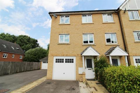 1 bedroom in a house share to rent - Pascal Crescent, Shinfield, Reading