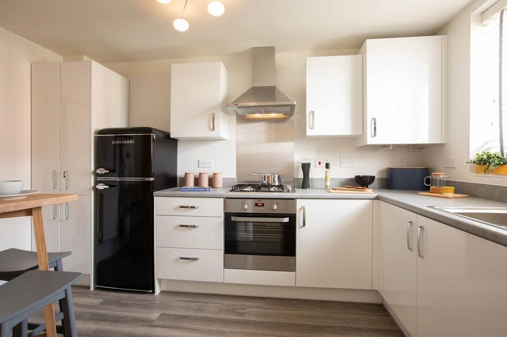 Barwick internal kitchen, barratt homes, orchard green, kingsbrook. BBAK H7649