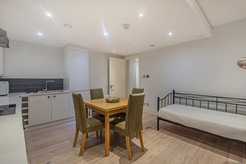 2 bedroom apartment to rent - Hardwicks Square London SW18