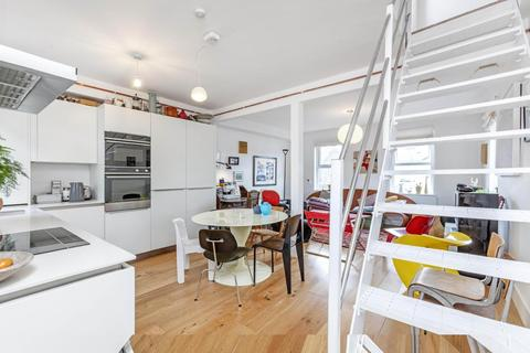 3 bedroom flat for sale - Duke Road, Chiswick