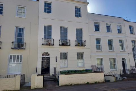 1 bedroom ground floor flat to rent - Hewlett Road, Cheltenham GL52