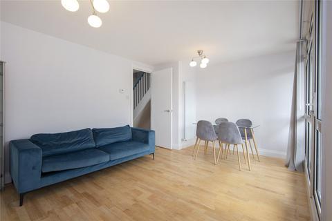 3 bedroom flat to rent - Gough Walk, London