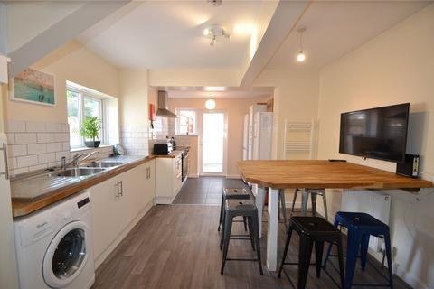8 bedroom semi-detached house to rent - Upper Bevendean Avenue, Brighton, BN2