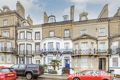 8 bedroom terraced house for sale - Kirkley Cliff, Lowestoft
