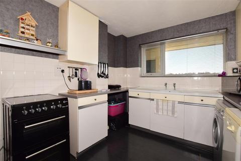 2 bedroom ground floor flat for sale - Orchard Way, Shirley, Surrey