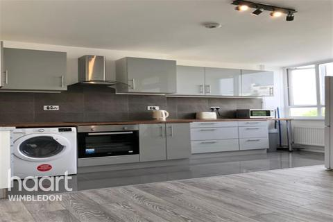 1 bedroom in a house share to rent - Tildesley Road, SW15