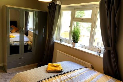 1 bedroom in a house share to rent - Chandler Close Crawley RH10