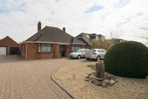 2 bedroom detached bungalow for sale - Stubbington Lane, Stubbington, Hampshire