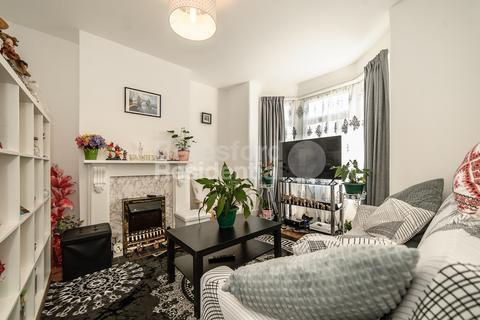 3 bedroom terraced house for sale - Liffler Road, Plumstead, SE18