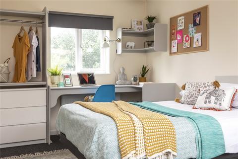 6 bedroom semi-detached house to rent - Selham Close, Brighton, BN1