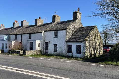 4 bedroom semi-detached house for sale - Llanfaethlu, Anglesey