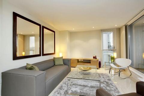 1 bedroom flat to rent - Axis Court, Tempus Wharf, Tower Bridge, London, SE16 4WG