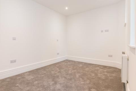 2 bedroom apartment for sale - Unique Pearl Chambers Apartment