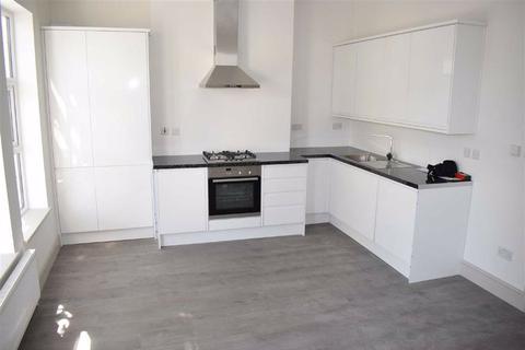 2 bedroom flat to rent - Hoe Street, Walthamstow, London, E17