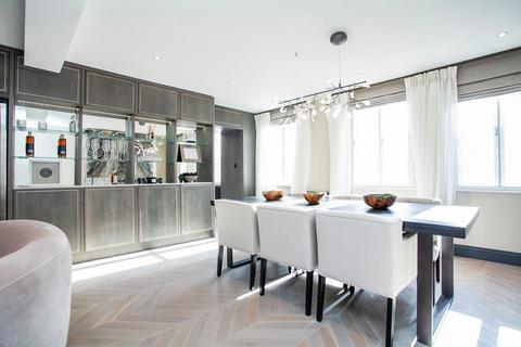 3 bedroom apartment to rent - Arlington Street, London, SW1A