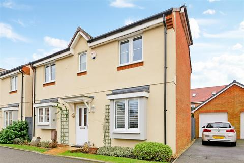 3 bedroom detached house for sale - Fellows Gardens, Yapton